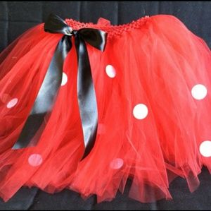 8bc16570884d4 Adult Minnie Mouse tutu size 6 and gloves